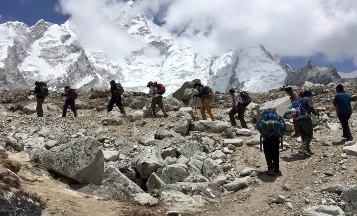 Everest2016marching
