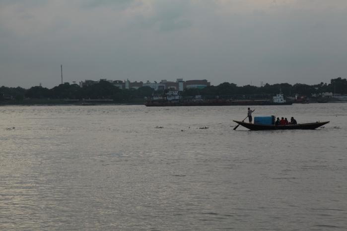KolkataGanga1569